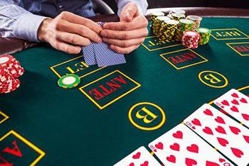 комбинации карт за столом
